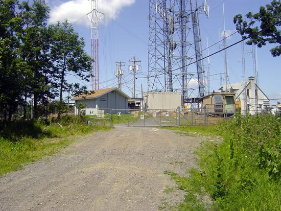 Access gate to transmitter site