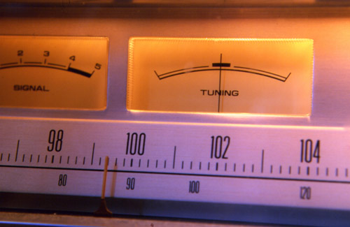 FM-analog-tuning-indicator