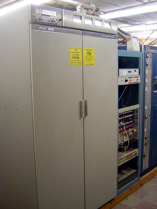Gates FM-5G transmitter prior to disassembly