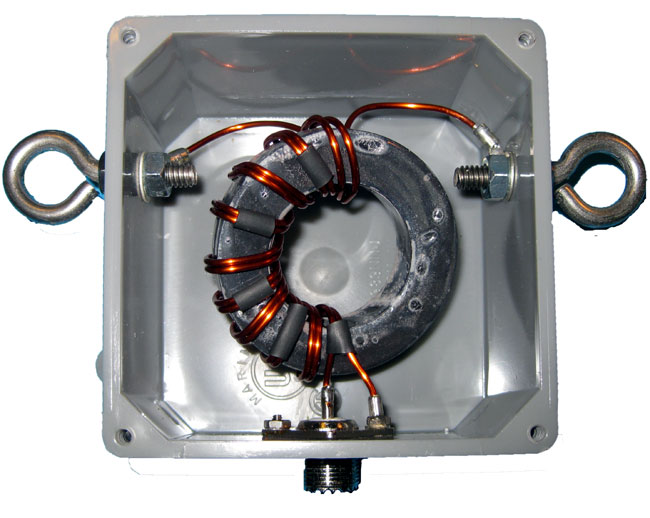 1:1 balun designed for center of 1/2 wave dipole antenna