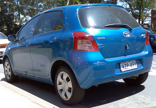Toyota Yaris 5 door hatchback, courtesy of wikimedia commons
