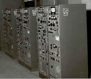 AN/FRT-70 1KW HF transmitter