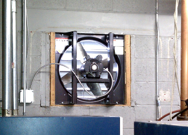 Transmitter site emergency cooling fan