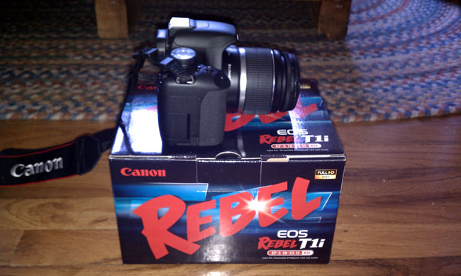 New Canon EOS Rebel T1i SLR camera
