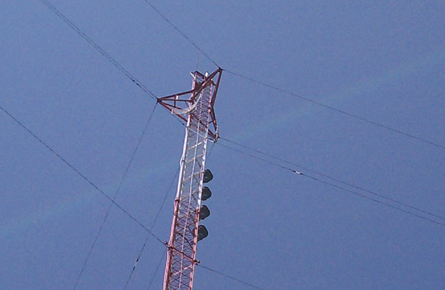 Scala PR-950 on a guyed tower