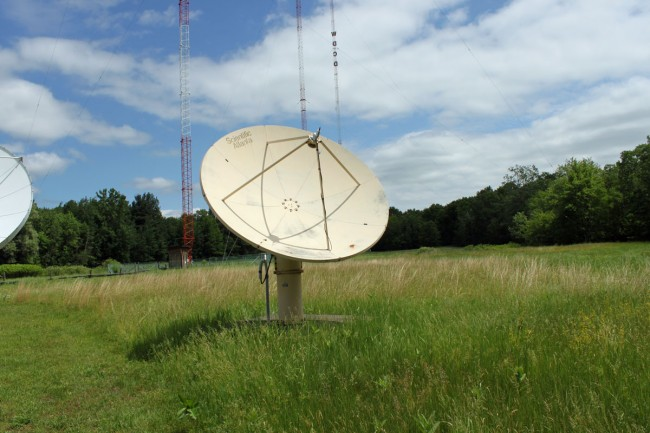Scientific Atlanta 9000 series satellite dish