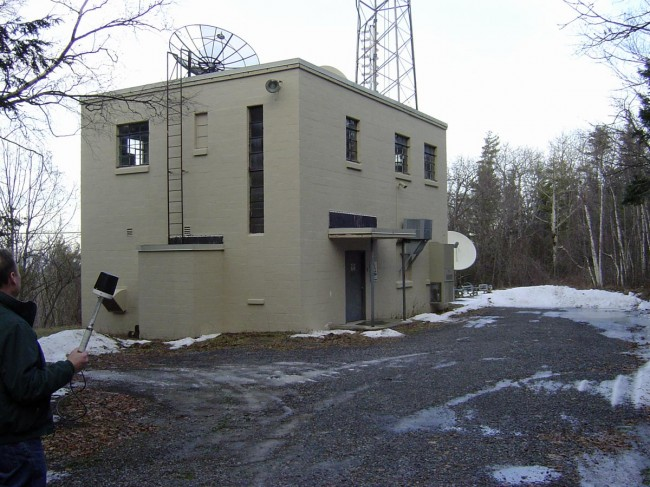 WFLY transmitter building, circa 2012