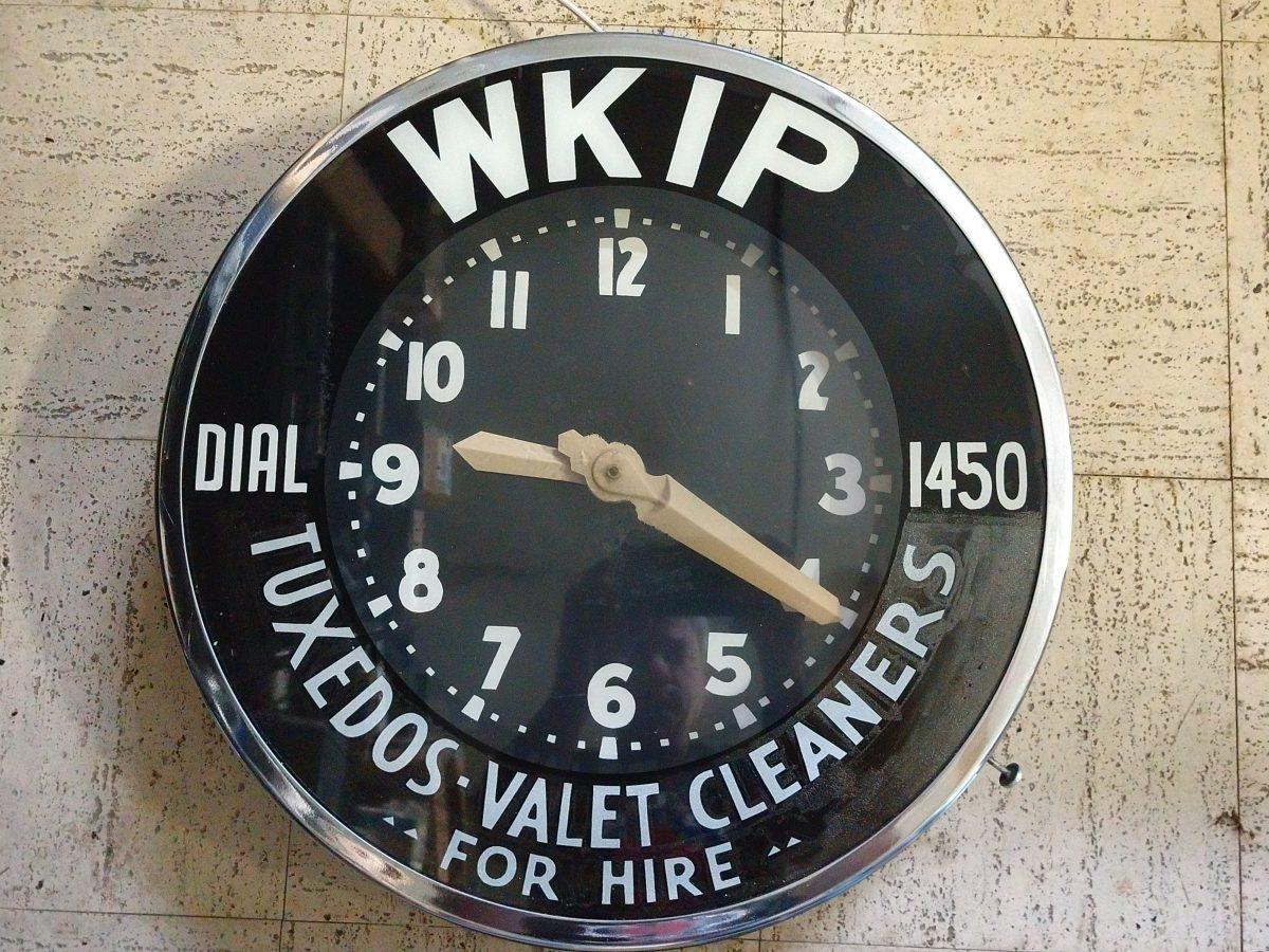 WKIP clock