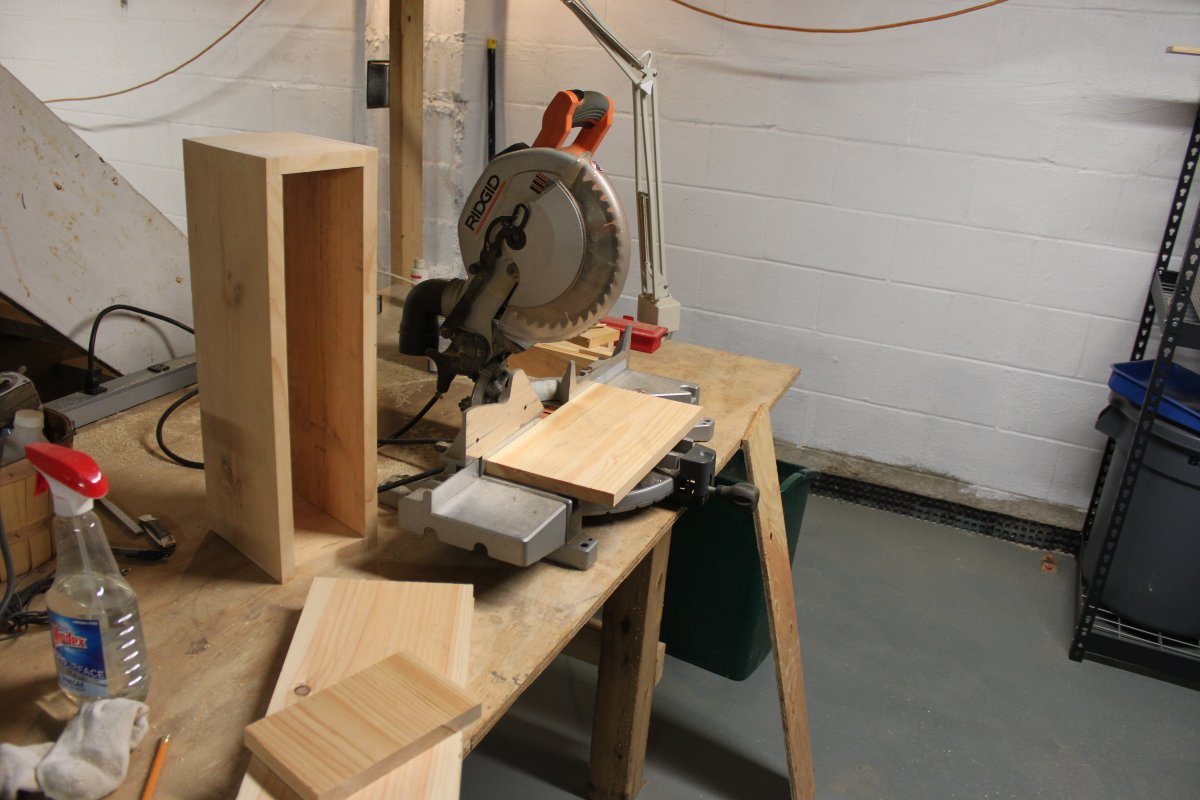 Making cuts for speaker boxes