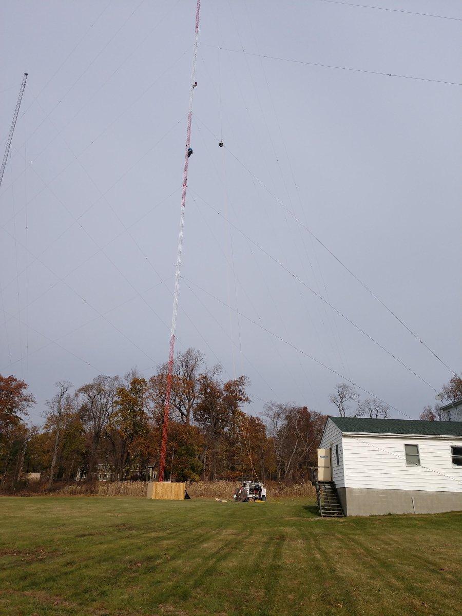 W243EM antenna hoist