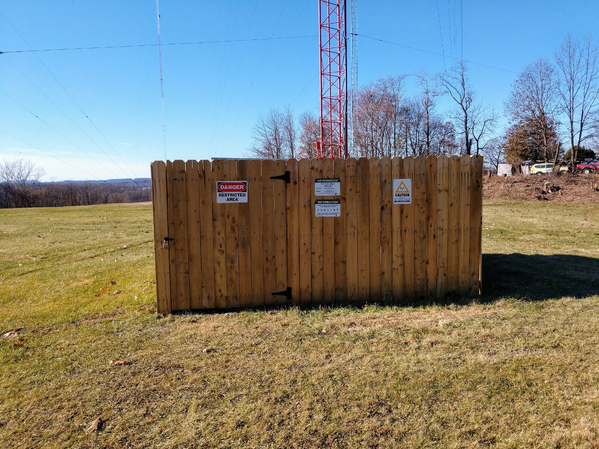 WBNR tower, with translator antenna side mounted at 390 feet AGL