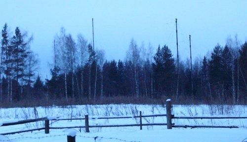 Dipole antenna for UVB76 transmitter