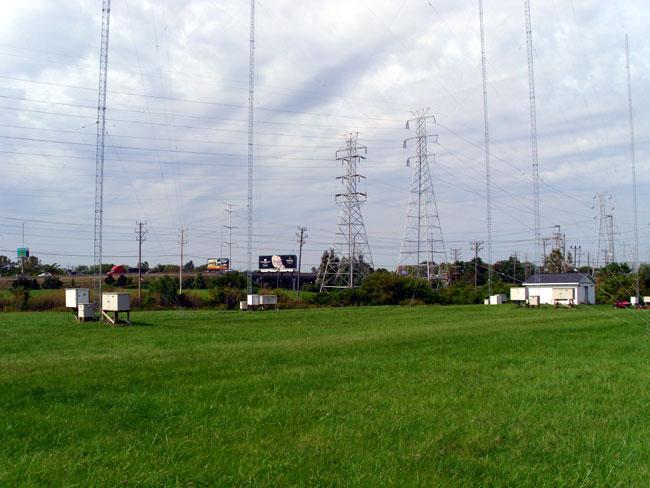WGLB WJTI antenna field