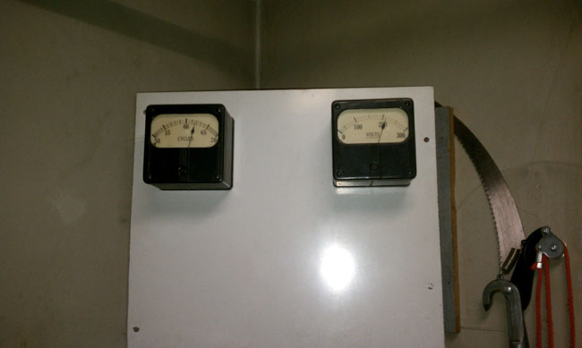 Frequency voltage meter