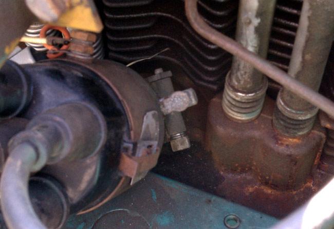 Onan 12JC 4R distributor clamp