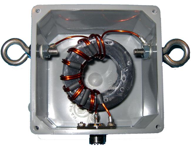 1:1 balun designed for center of 1/2 wave dipole antenna