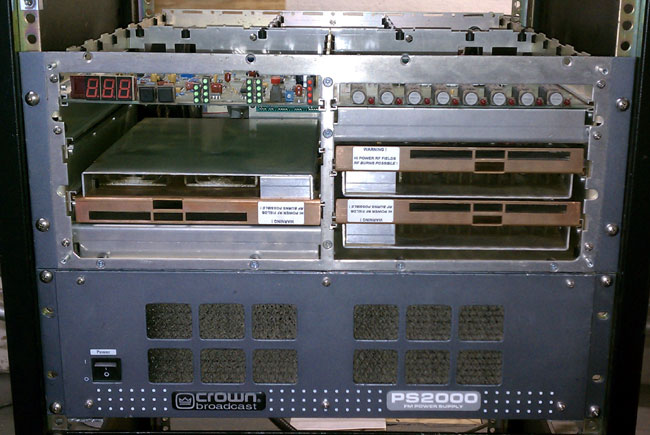 Crown FM2000A front cover off