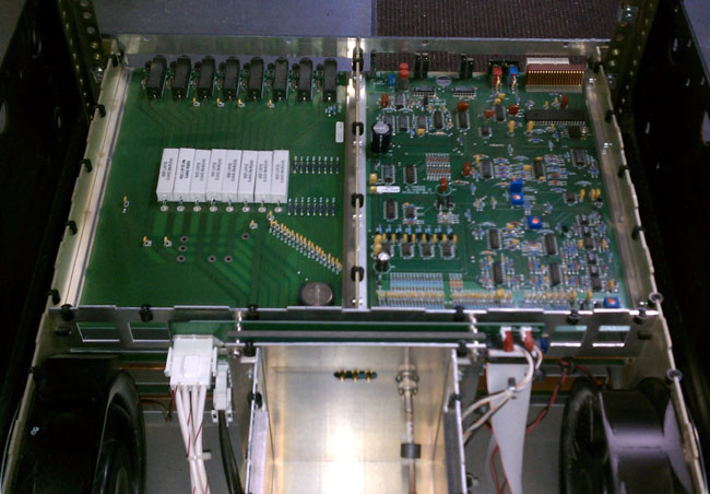 Crown FM2000A top cover removed