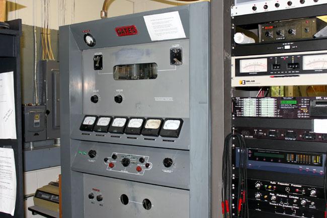 Gates BC1J transmitter