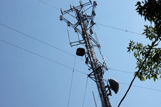 WKZE single bay Shively 6810 antenna