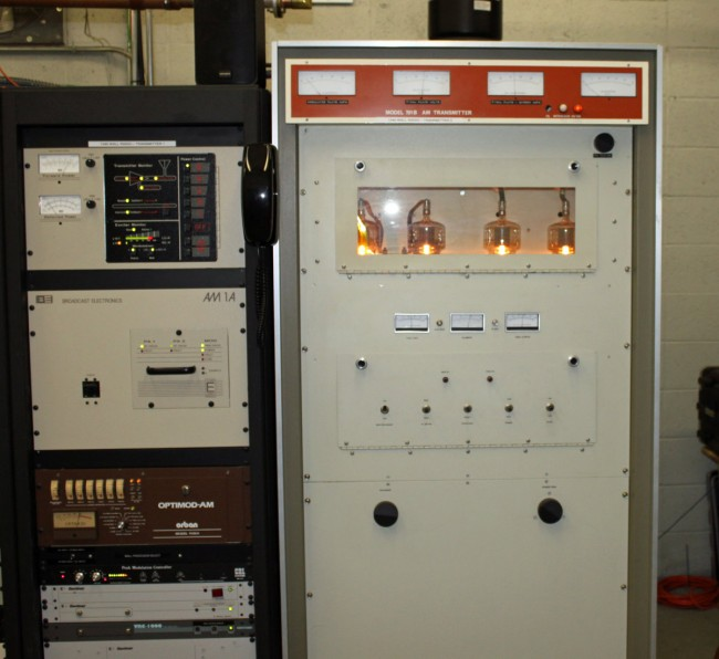 Middle Aged Iron: Cetec/Bauer 701B transmitter