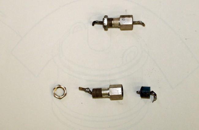 Feedthru capacitors
