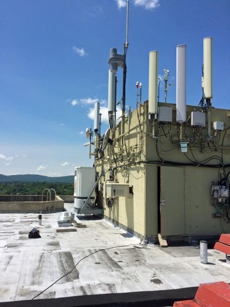 W277CJ installation, roof of Crowne Plaza, Pittsfield, MA
