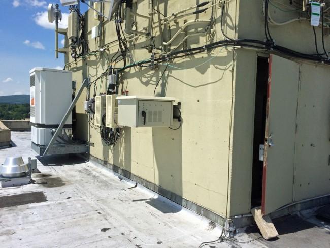 W277CJ transmitter in outdoor enclosure