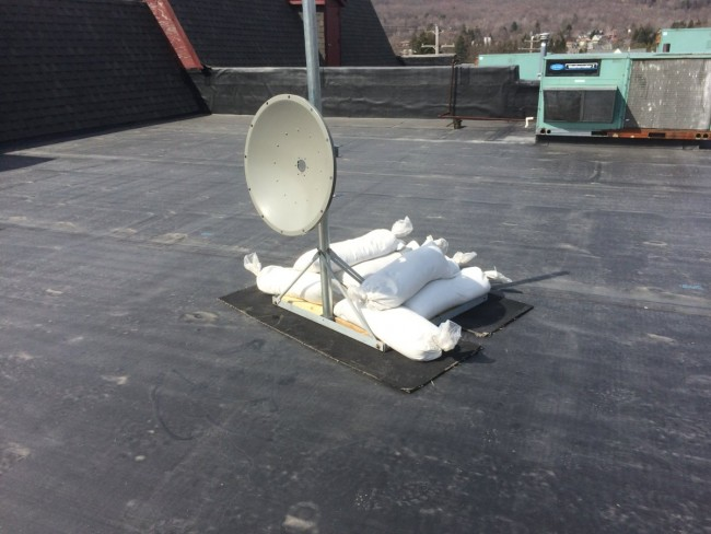 5.8 GHz dish with non-penetrating roof mount
