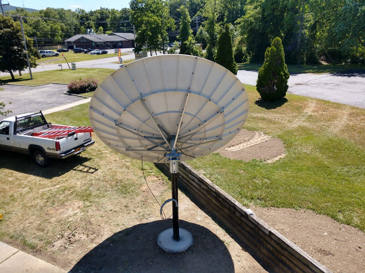 Viking 1374-990 3.7 Meter satellite dish, back view
