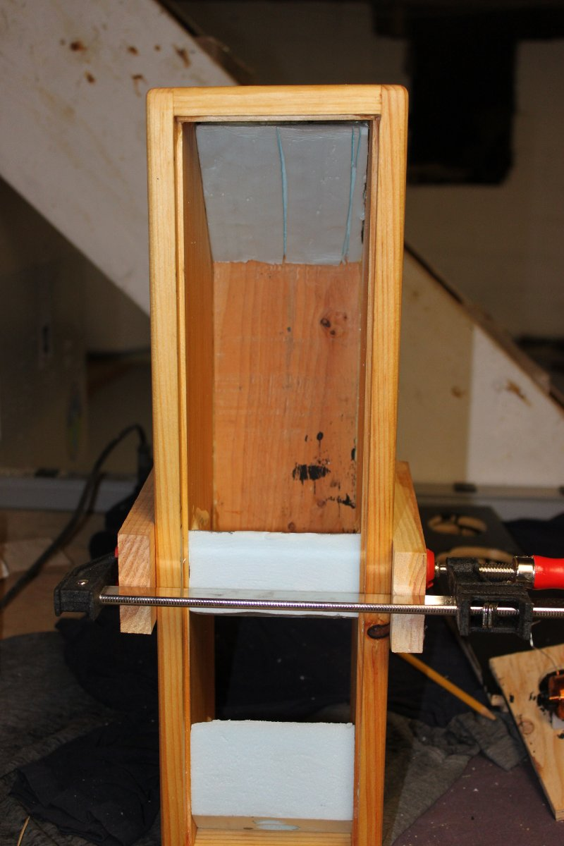 Speaker box, foam dampening and bracing